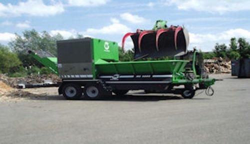 Shredder zur Zerkleinerung von Grün- und Strauchschnitt, Rinde und Holzabfällen